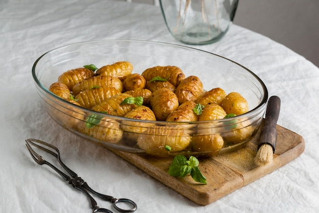 Surtido de una deliciosa comida saludable en la mesa