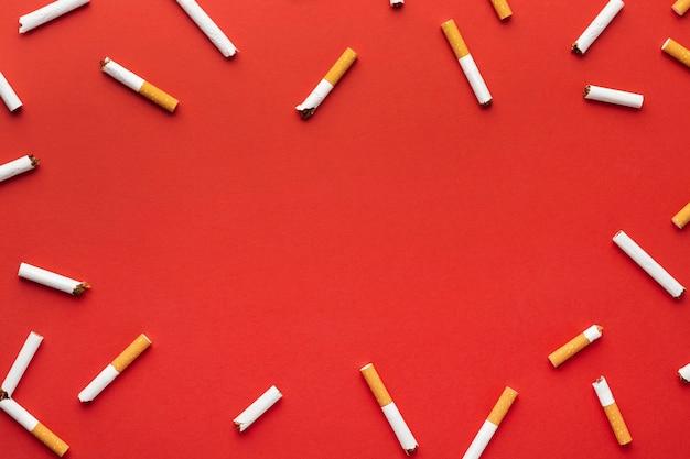 Surtido de elementos del día sin tabaco.
