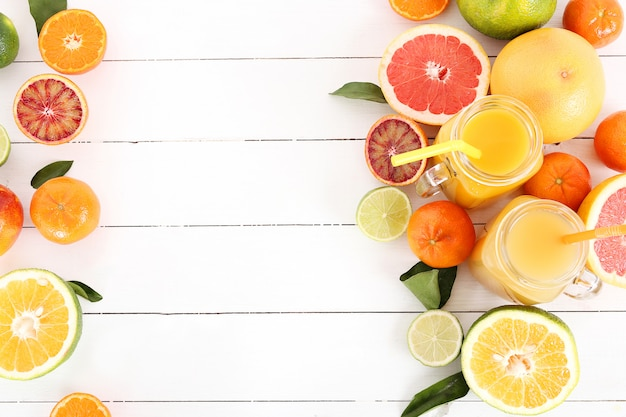 Surtido de frutas cítricas.