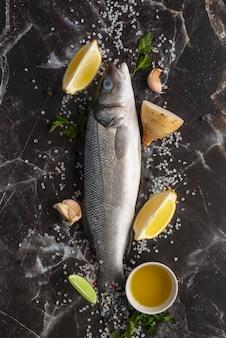 Surtido de mariscos deliciosos laicos planos