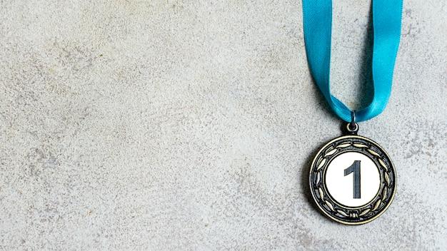 Surtido de medallas olímpicas de primer lugar