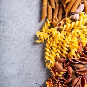 Surtido de pasta italiana de colores