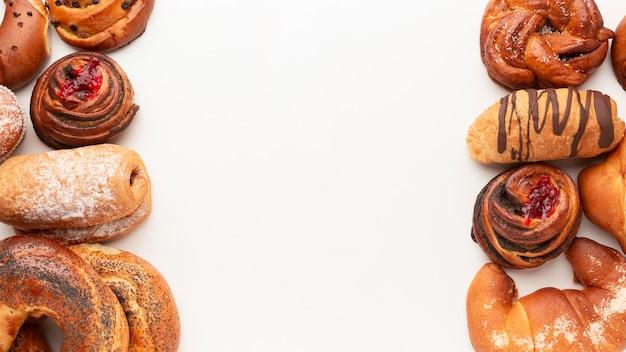 Surtido de pastelería casera dulce copia espacio