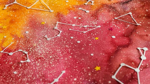 Surtido de planetas de papel creativos