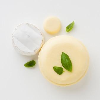 Surtido plano de queso redondo