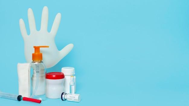 Surtido de productos sanitarios y espacio para copias