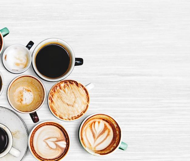 Surtido de varias tazas de café.