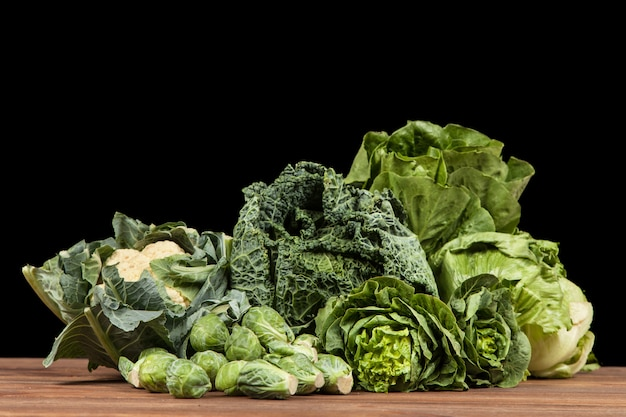 Surtido de verduras verdes.
