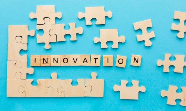 Surtido de vista superior con elementos de innovación.