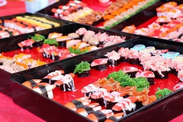 Sushi en la comida de la calle