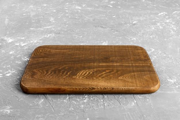 Tabla de cortar de madera vacía