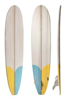 Tabla de surf longboard de madera retro aislada en blanco con trazado de recorte para el objeto, estilos vintage.