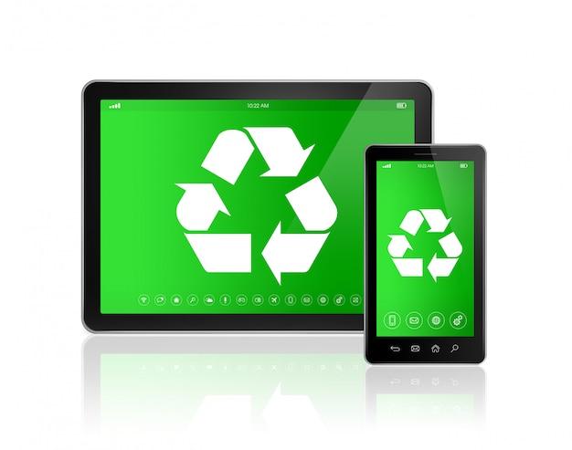 Tablet pc digital con un símbolo de reciclaje en la pantalla.
