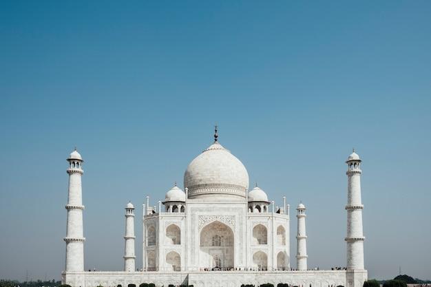 Taj mahal, edificio de lujo en la india