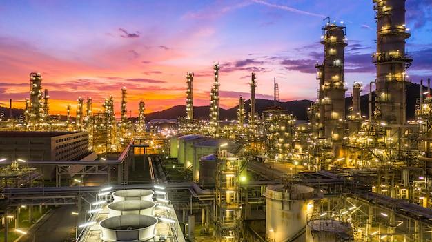 Tanque de almacenamiento de petróleo y planta industrial