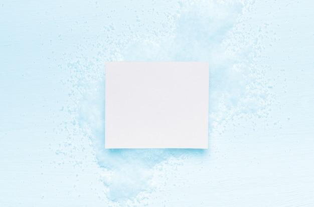 Tarjeta blanca para inscripciones de invierno y vacaciones.