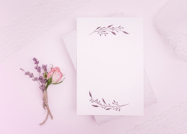 Tarjeta de boda delicada