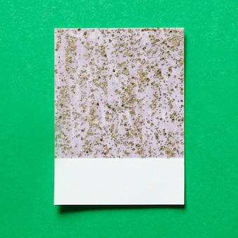 Tarjeta de papel reluciente y brillante
