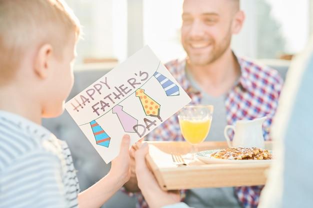 Tarjeta del día de padres hecha a mano