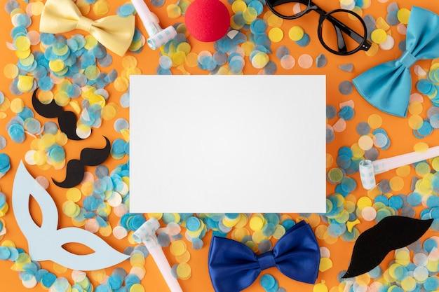 Tarjeta de espacio de copia de máscara linda de carnaval