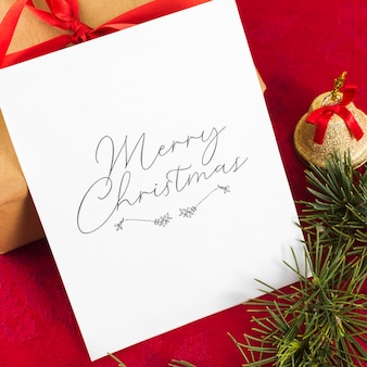 Tarjeta de felicitación de navidad con campana