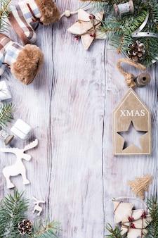 Tarjeta de navidad con fondo copyspace