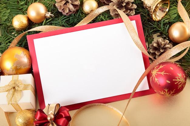 Tarjeta de navidad con marco rojo