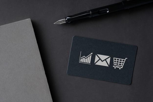 Tarjeta de nombre simple para el concepto de icono de compras en línea