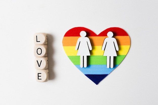 Tarjeta del orgullo gay en forma de corazón