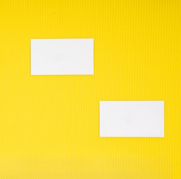 Tarjeta de papel maqueta