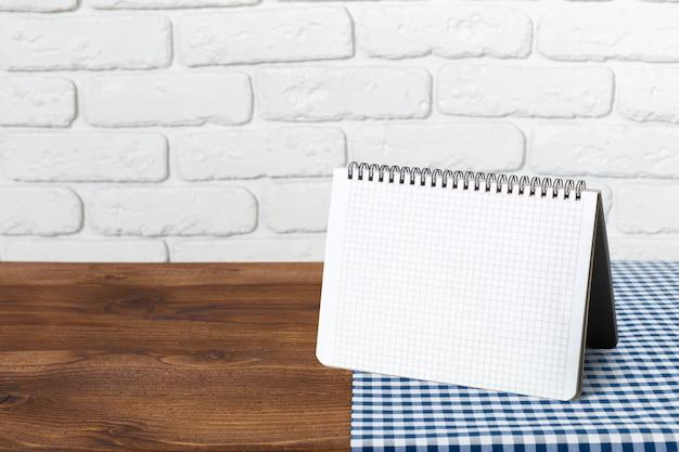Tarjeta de papel de mesa
