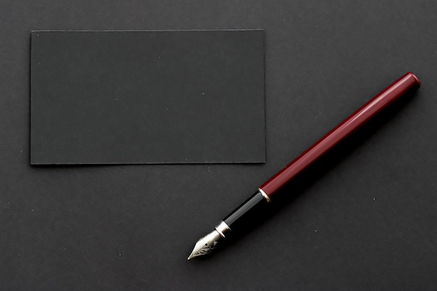 Tarjeta de visita negra en blanco para maqueta de marca de lujo y diseño de identidad corporativa