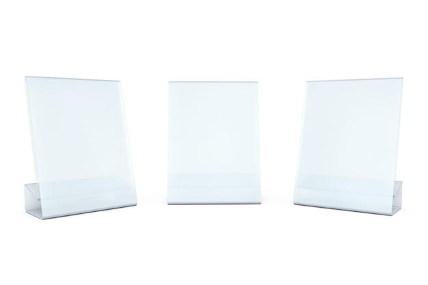 Tarjetas de placa de mesa transparente en blanco blanco sobre un fondo blanco