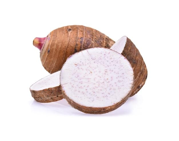 Taro aislado en blanco