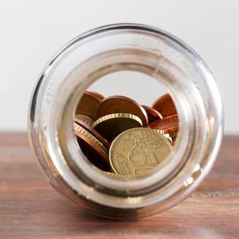 Tarro con monedas