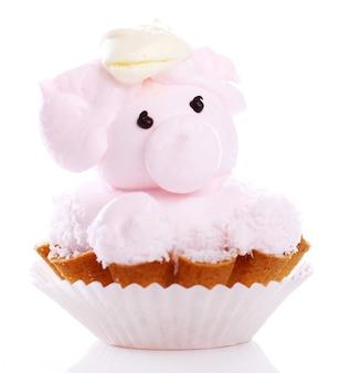 Tarta fresca y sabrosa en forma de cerdo