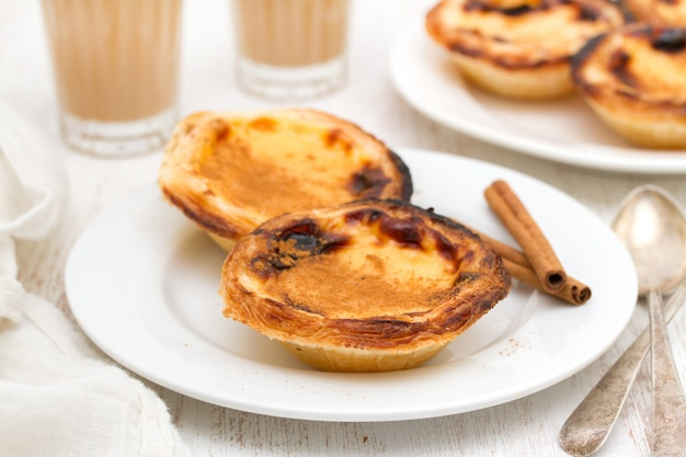 Tarta de huevo cremosa tradicional portuguesa pastel de nata