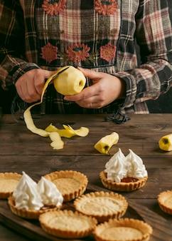 Tarta de manzana con crema batida