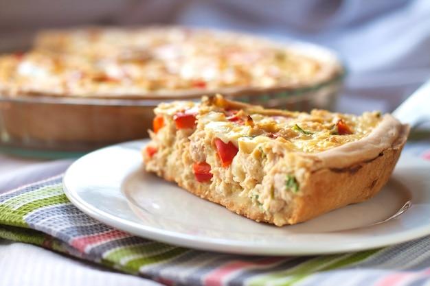 Tarta de pollo con pimentón y queso de cabra