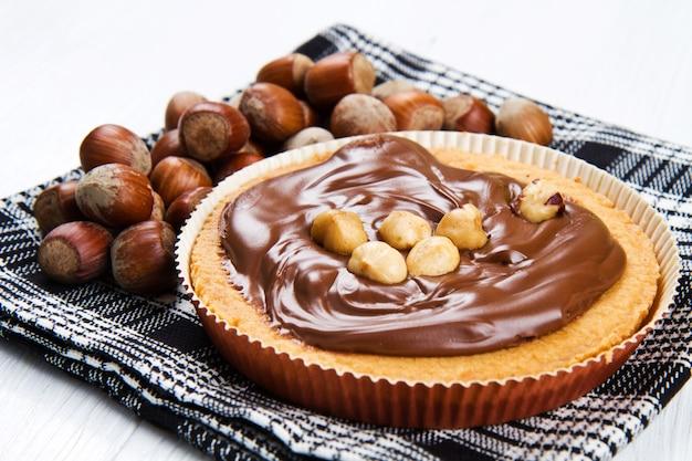 Tartlette con crema de chocolate y avellana.