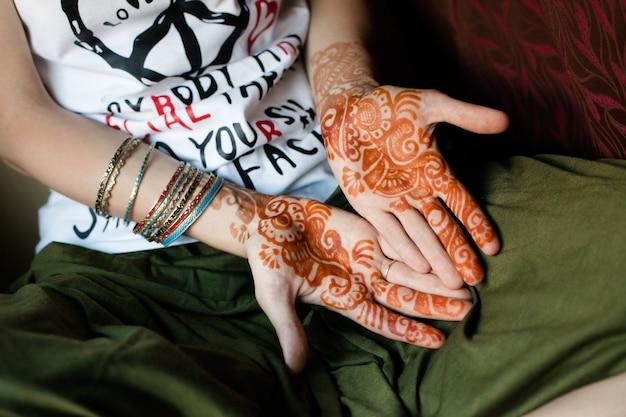 Tatuaje de henna, india