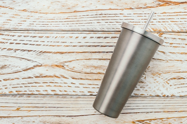 Taza de acero inoxidable y vaso