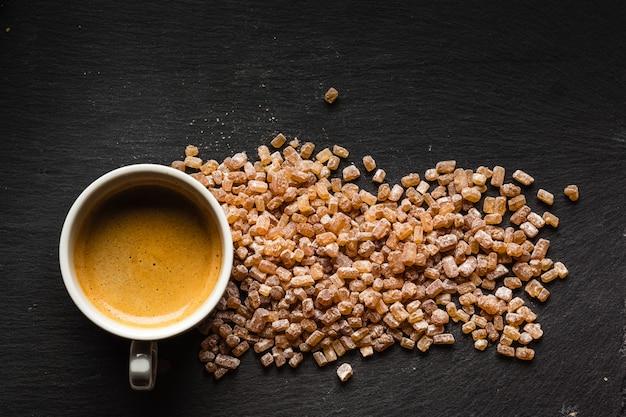 Taza de cafe con azucar