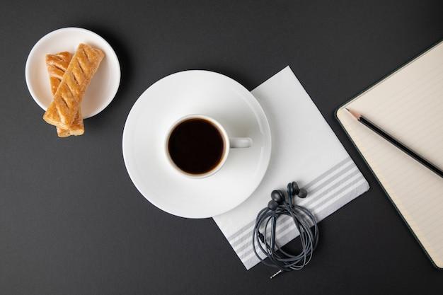 Taza de café con dulces