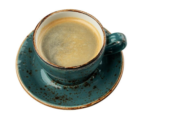 Taza de cafe. hermosos platos de color turquesa. aislado sobre fondo blanco. espacio para texto.