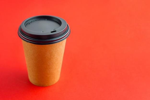 Taza de café de papel para bebidas para llevar