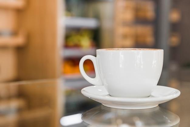 Taza de café en la tienda de café