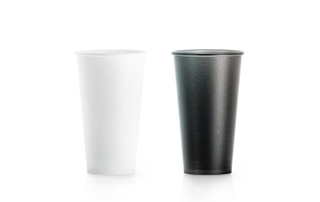 Taza de papel desechable en blanco y negro grande en blanco aislado