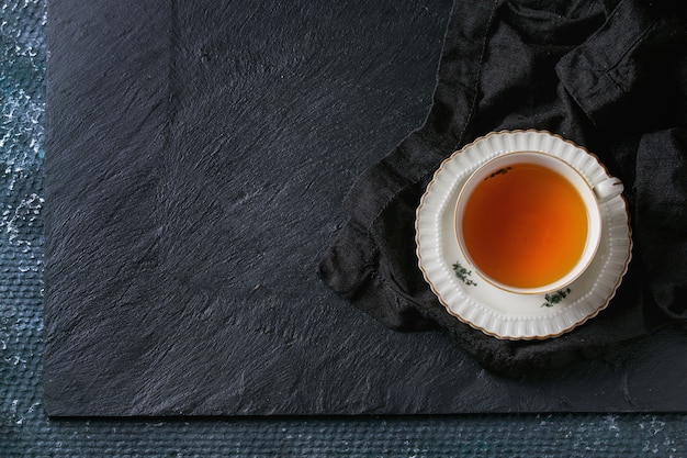 Taza de té de la vendimia