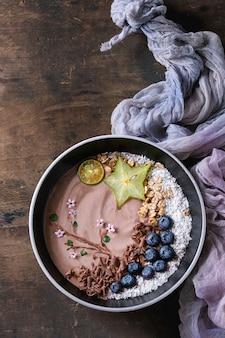 Tazón de yogurt batido